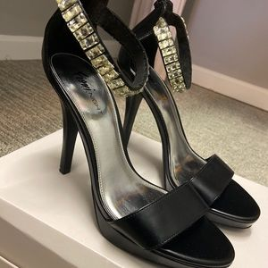 Fioni night Black Strappy Heels